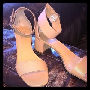 Franco Sarto Ronnie Ankle Strap Sandals Heels 8.5